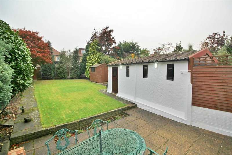 3 Bedrooms Semi Detached House for sale in Peartree Road, Enfield