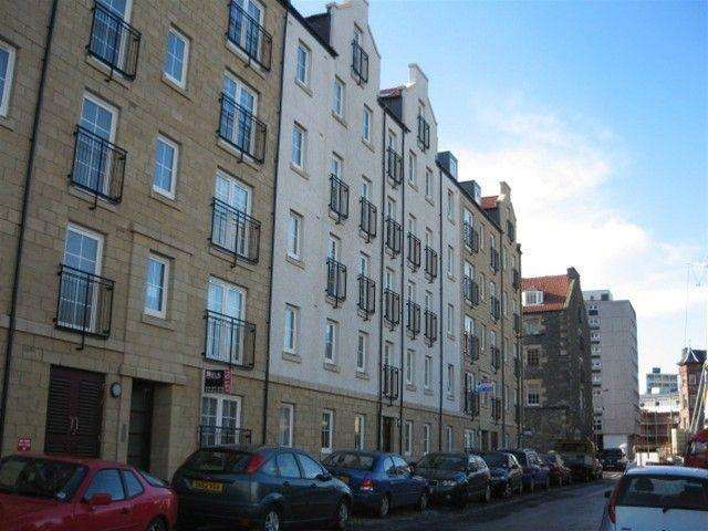 2 Bedrooms Flat for rent in Giles Street, Leith, Edinburgh, EH6 6DA