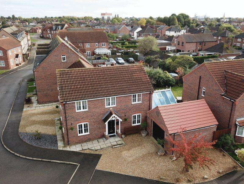 5 Bedrooms Detached House for sale in Woodrow Place, Spalding