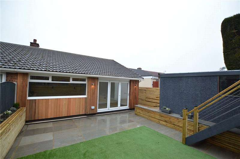 2 Bedrooms Semi Detached Bungalow for sale in Ryedale Way, Tingley, Wakefield