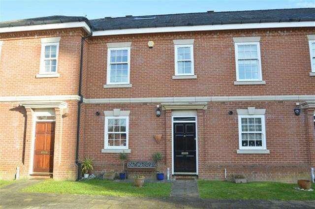 3 Bedrooms House for sale in Wallace Square, Coulsdon