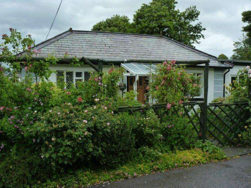 3 Bedrooms Detached Bungalow for sale in Glan Yr Afon, Dwygyfylchi