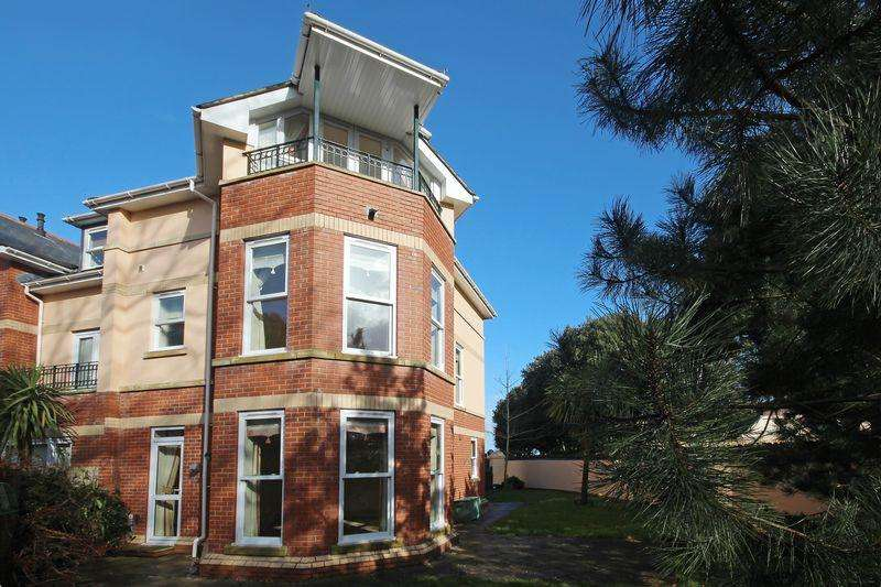 3 Bedrooms Detached House for rent in Roundham Road, Paignton