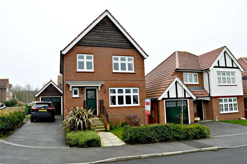 3 Bedrooms Detached House for sale in Clipson Crest, Barton-Upon-Humber, North Lincolnshire, DN18