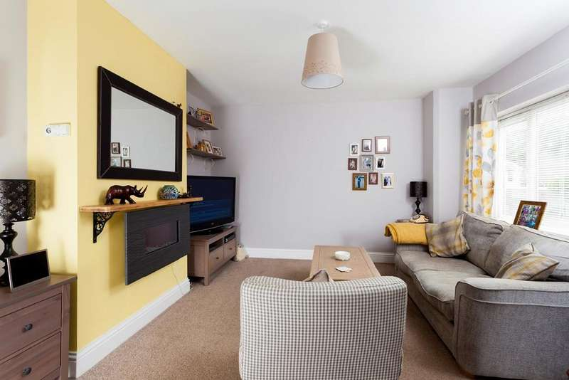 3 Bedrooms Apartment Flat for rent in Station Road, Lyminge, Folkestone, CT18