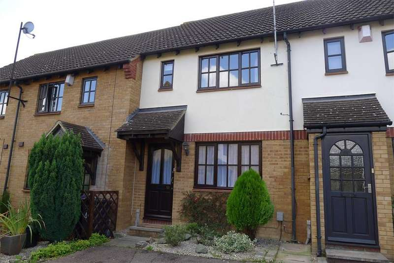 2 Bedrooms Terraced House for rent in Horace Gay Gardens, Letchworth Garden City, SG6
