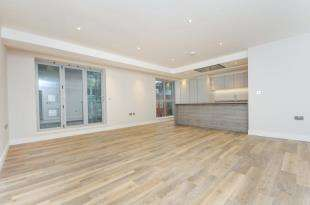 2 Bedrooms Flat for sale in Valley Place, 76 Croydon Road, Caterham