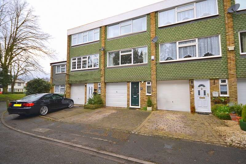 3 Bedrooms Town House for sale in Shepperton