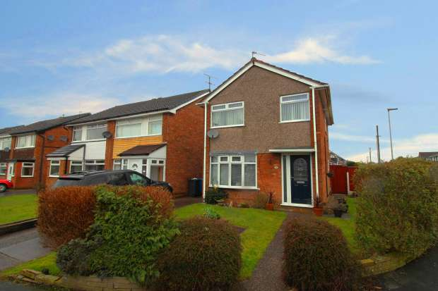 3 Bedrooms Detached House for sale in Stratton Road, Warrington, Cheshire, WA5 1JT