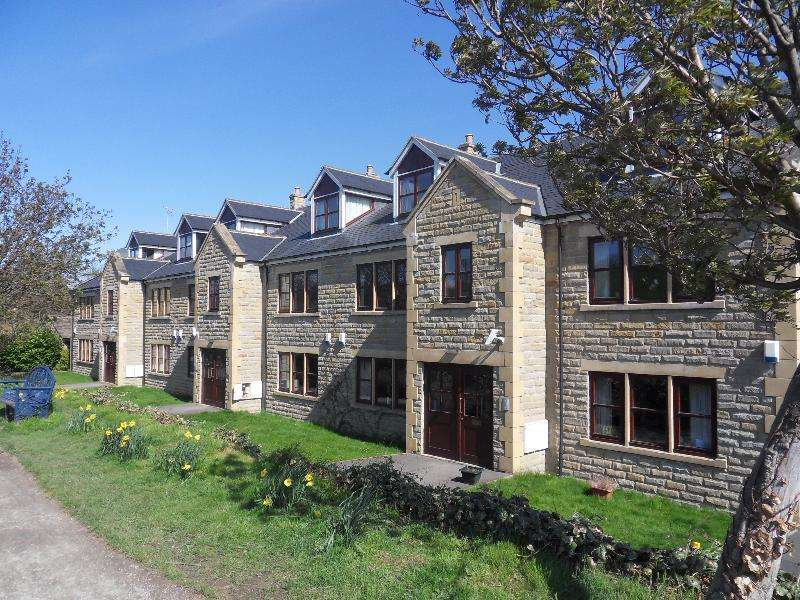 2 Bedrooms Flat for rent in CANAL HOUSE, CALVERLEY BRIDGE, RODLEY, LS13 1PY