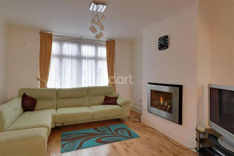3 Bedrooms Terraced House for rent in Sylvan Avenue - Chadwell Heath - RM6