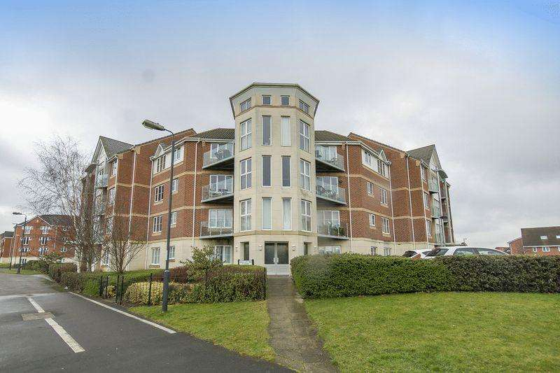 2 Bedrooms Apartment Flat for sale in MAGALLAN WAY, CITY POINT