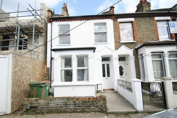 3 Bedrooms Terraced House for sale in Macaulay Road, East Ham, London