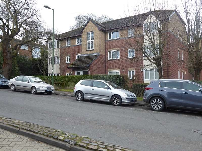 1 Bedroom Flat for sale in High Street, West End, Southampton, SO30