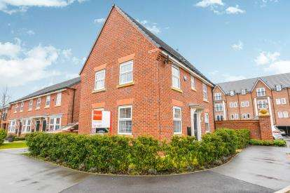3 Bedrooms Detached House for sale in Rose Creek Gardens, Chapelford Village, Warrington, Cheshire