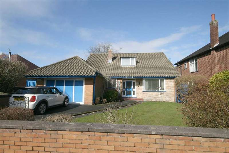 3 Bedrooms Detached Bungalow for sale in Court Road, Southport