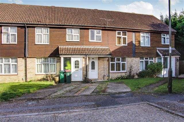 3 Bedrooms Terraced House for sale in Lanercoste Road, Southgate, Crawley