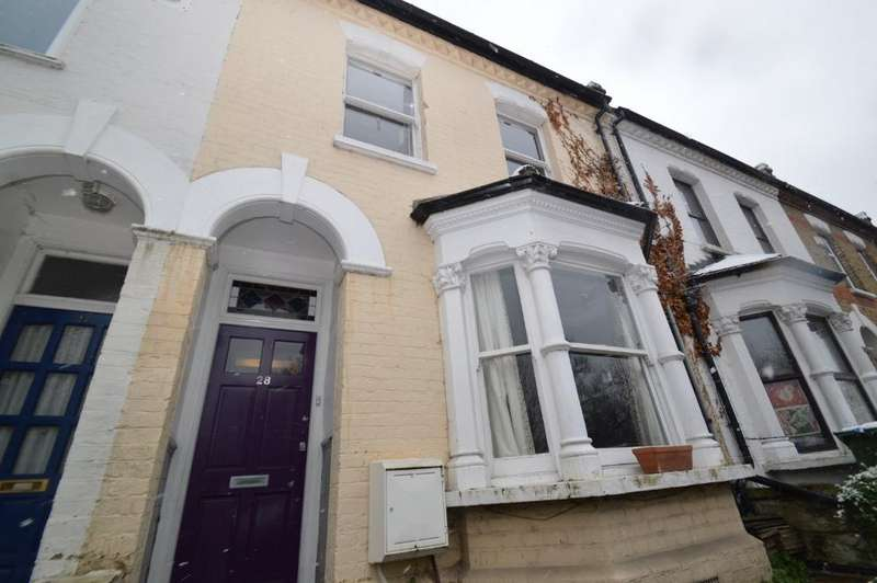 4 Bedrooms Terraced House for sale in St Johns Terrace, Plumstead SE18