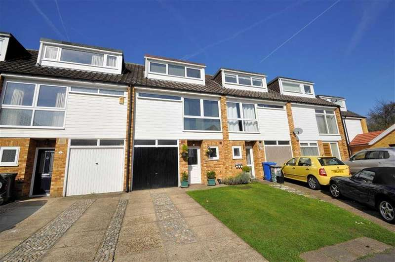 3 Bedrooms Town House for sale in Oast House Close, Wraysbury, Berkshire