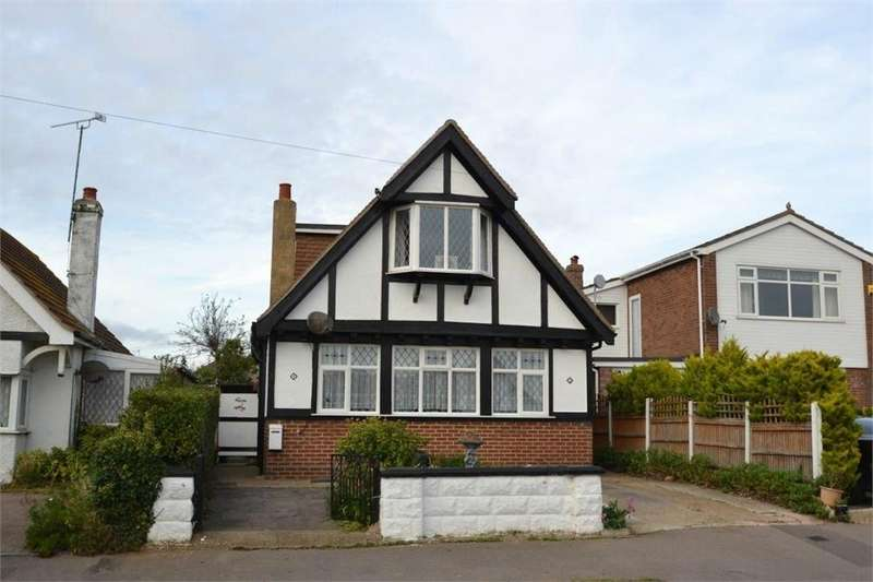 3 Bedrooms Detached House for sale in Park Square West, Jaywick, Clacton-on-Sea, Essex