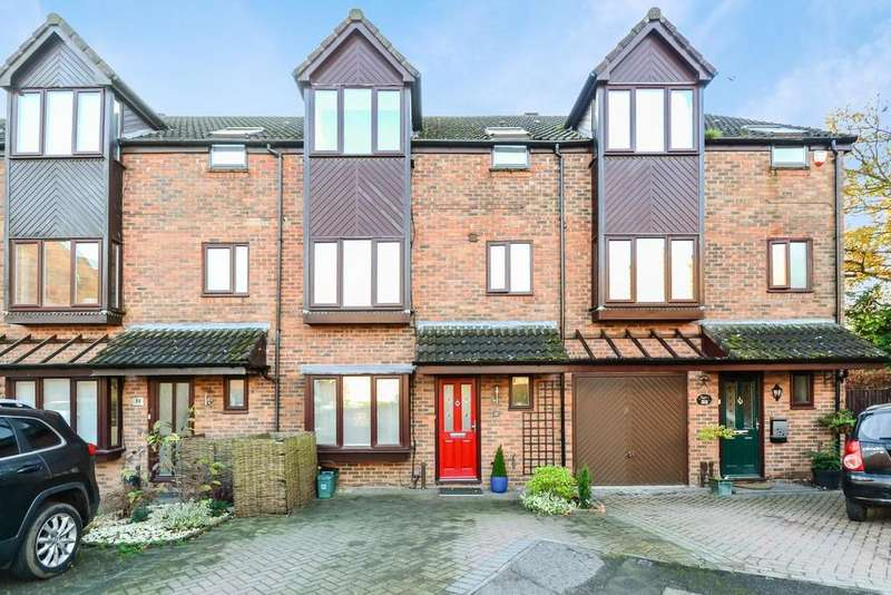 4 Bedrooms Town House for sale in Harvesters, St. Albans