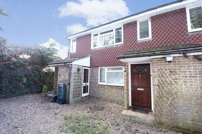 1 Bedroom Maisonette Flat for sale in Homefield Road, Walton-On-Thames.