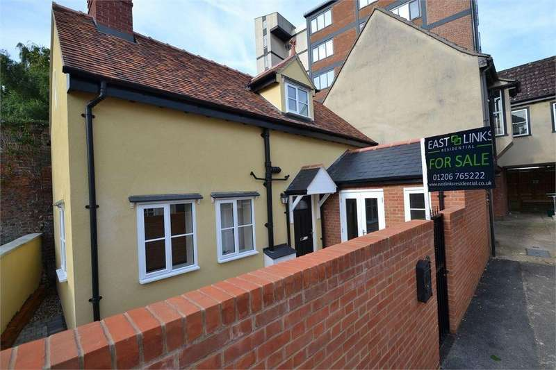 2 Bedrooms Detached House for sale in Walters Yard, Colchester, Essex
