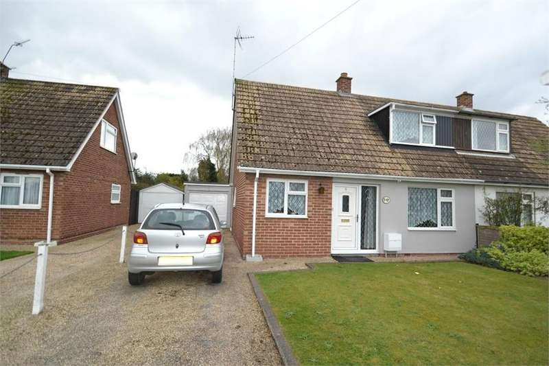 4 Bedrooms Semi Detached House for rent in Vine Drive, Wivenhoe, COLCHESTER, Essex