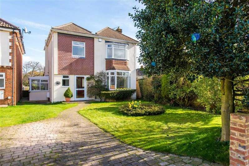 3 Bedrooms Detached House for sale in Hunters Way West, Darland