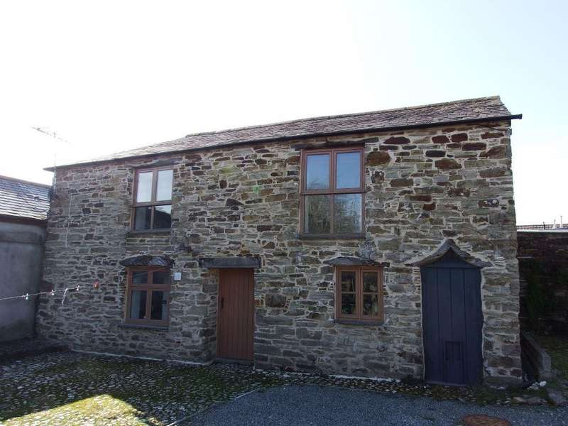 2 Bedrooms House for rent in Castle Street, Bodmin