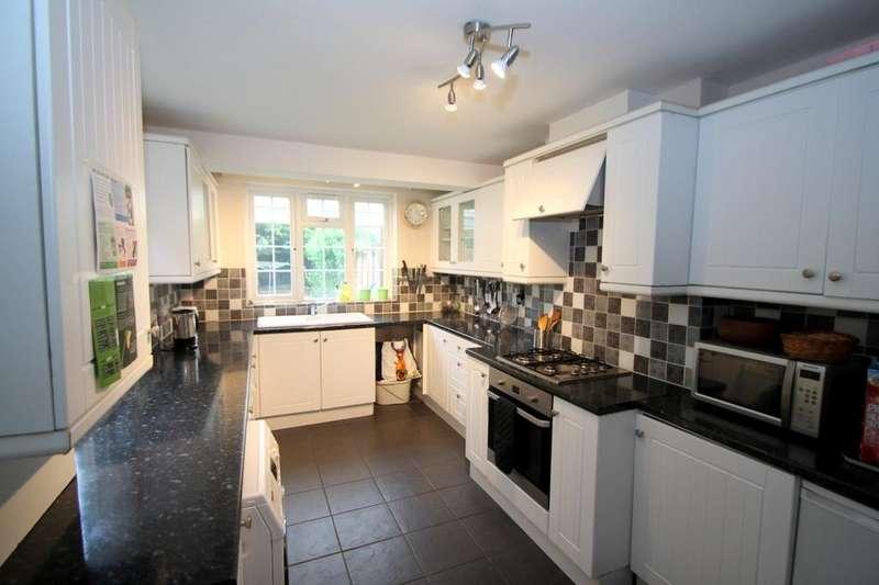 3 Bedrooms Semi Detached House for rent in Coleridge Road, Ashford, TW15