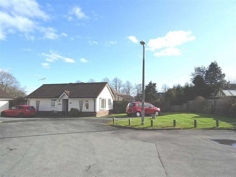 2 Bedrooms Detached Bungalow for sale in 59, Hampton Fields, Oswestry, Shropshire, SY11