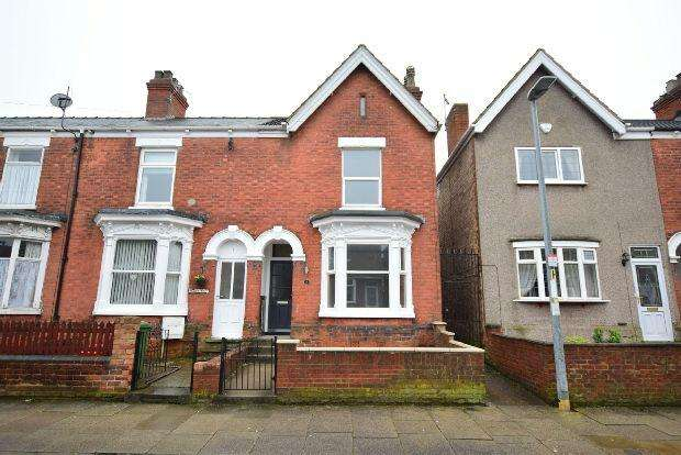 3 Bedrooms Terraced House for sale in St. Augustine Avenue, Grimsby
