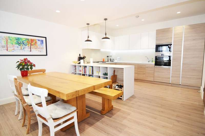 2 Bedrooms Apartment Flat for sale in Waldegrave Road, Teddington, TW11