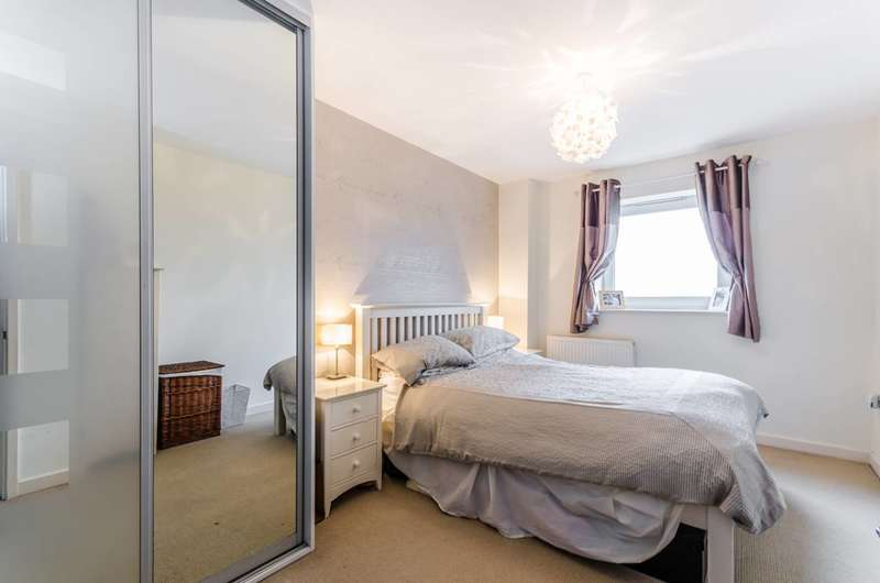 2 Bedrooms Flat for sale in Limehouse, Limehouse, E14