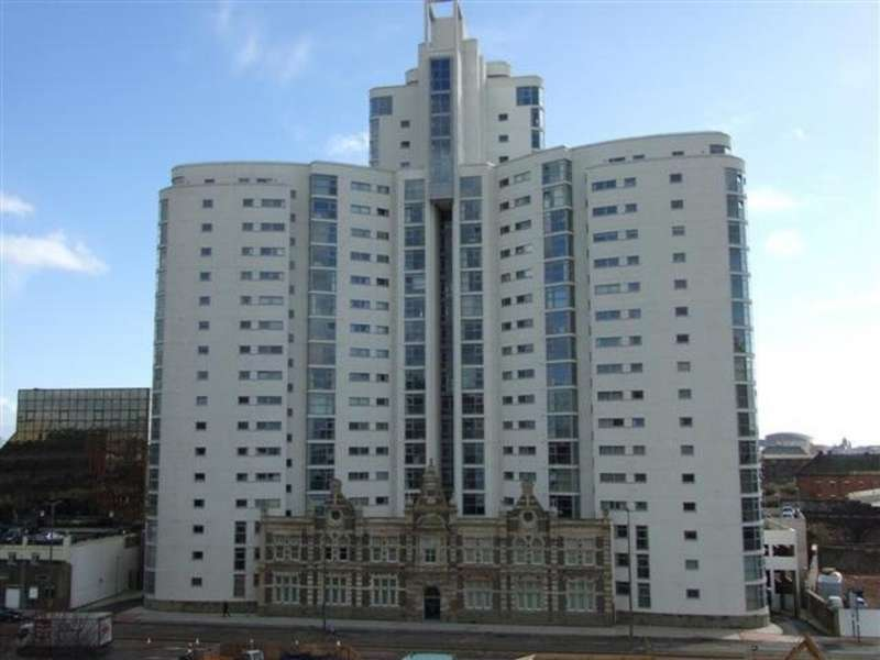 3 Bedrooms Property for rent in Altolusso , Bute Terrace
