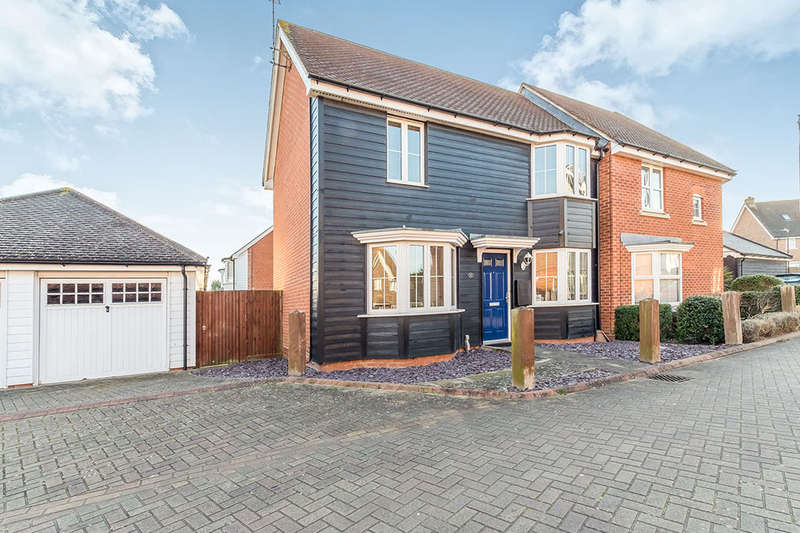 3 Bedrooms Semi Detached House for sale in Violet Court, Sittingbourne, ME10