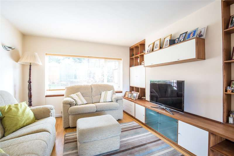 2 Bedrooms Maisonette Flat for sale in Claire Court, North Finchley, London, N12