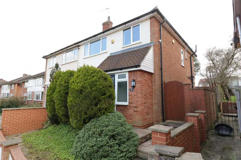 3 Bedrooms Semi Detached House for sale in Taff Way, Tilehurst, Reading