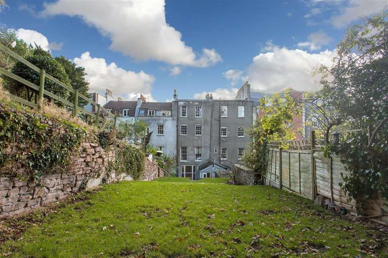2 Bedrooms Flat for sale in Windsor Terrace, Clifton