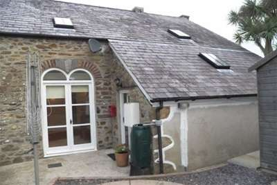 3 Bedrooms Semi Detached House for rent in Hamilton Street, Fishguard