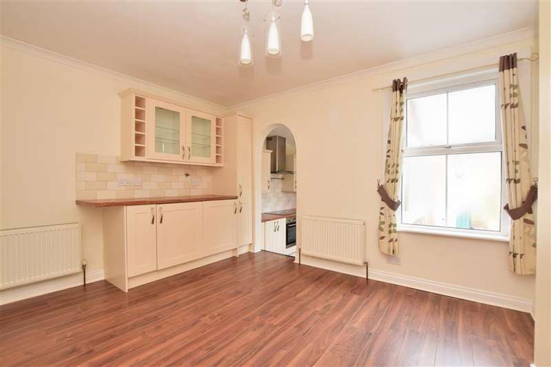 2 Bedrooms Semi Detached House for sale in Croydon Road, Caterham, Surrey