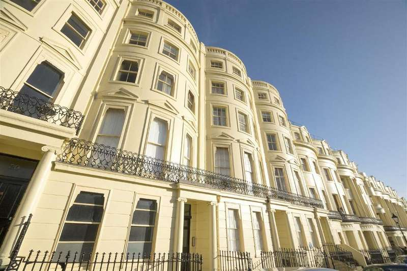 1 Bedroom Flat for sale in Brunswick Square, Hove
