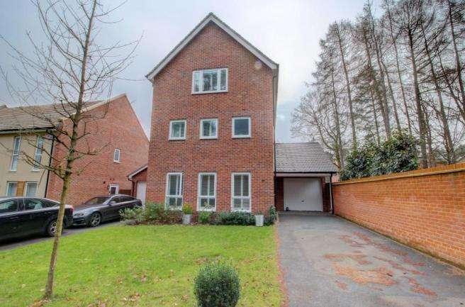 4 Bedrooms House for sale in Bracknell, Berkshire, RG12