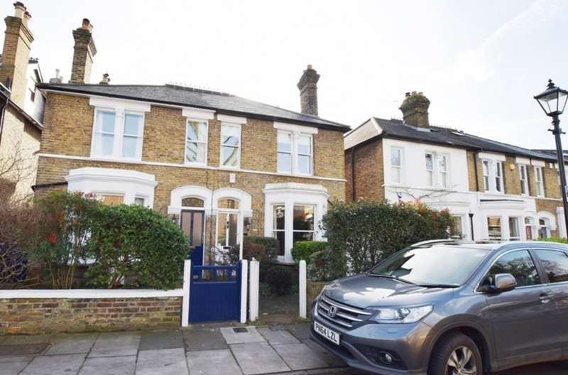 3 Bedrooms Semi Detached House for sale in Clarence Road, Kew, Richmond, Surrey TW9
