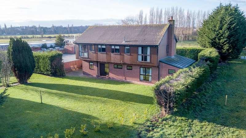 5 Bedrooms Detached House for sale in Ramsbrook Lane, Hale Village