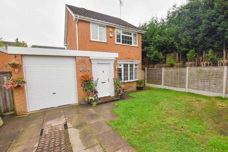 3 Bedrooms Detached House for sale in Kennet Drive, Congleton