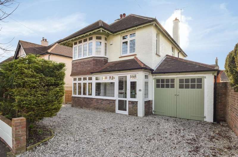 3 Bedrooms Detached House for sale in Wellington Road, Bognor Regis, PO21