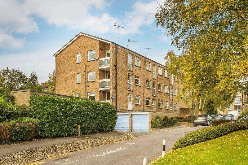 1 Bedroom Flat for sale in Friars Wood, Pixton Way, Forestdale, Croydon CR0