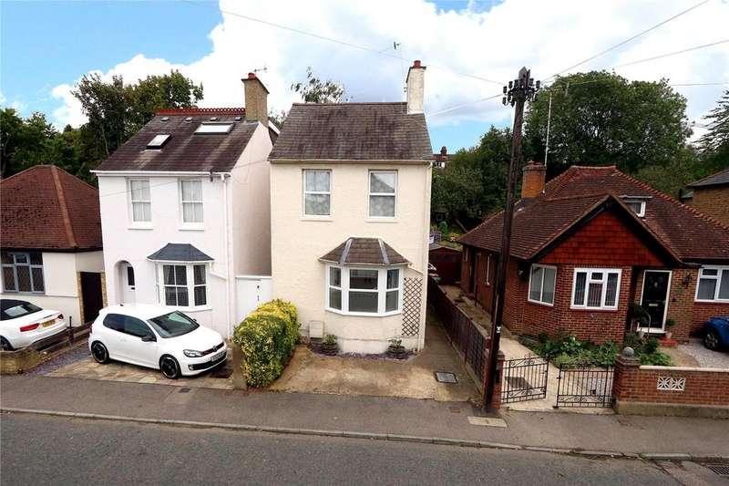 3 Bedrooms House for sale in Hamilton Road, Hunton Bridge, Kings Langley, Hertfordshire, WD4
